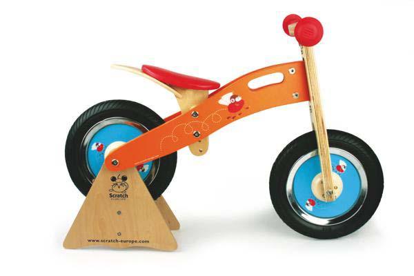 Stand for balance bike